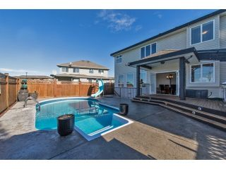 "Photo 2: 6593 186A Street in Surrey: Cloverdale BC House for sale in ""HILLCREST"" (Cloverdale)  : MLS®# F1432832"