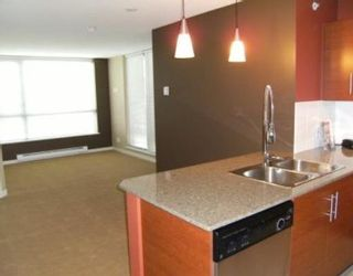 """Photo 4: 201 813 AGNES Street in New_Westminster: Downtown NW Condo for sale in """"The News"""" (New Westminster)  : MLS®# V764140"""