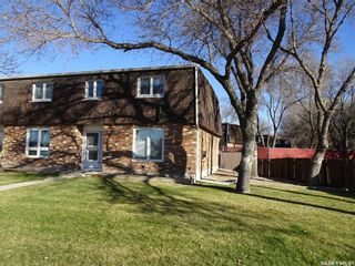 Photo 1: 78 Oakview Drive in Regina: Uplands Residential for sale : MLS®# SK751531