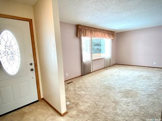 Photo 4: 206 George Crescent in Esterhazy: Residential for sale : MLS®# SK821739