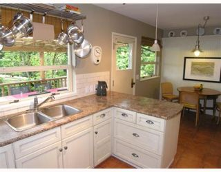 Photo 3: 574 W ST JAMES Road in North_Vancouver: Delbrook House for sale (North Vancouver)  : MLS®# V753119