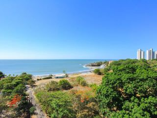 Photo 7: PH Gorgona Ocean Front