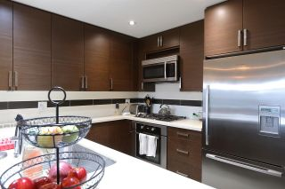"""Photo 7: 304 4710 HASTINGS Street in Burnaby: Capitol Hill BN Condo for sale in """"Altezza"""" (Burnaby North)  : MLS®# R2558884"""