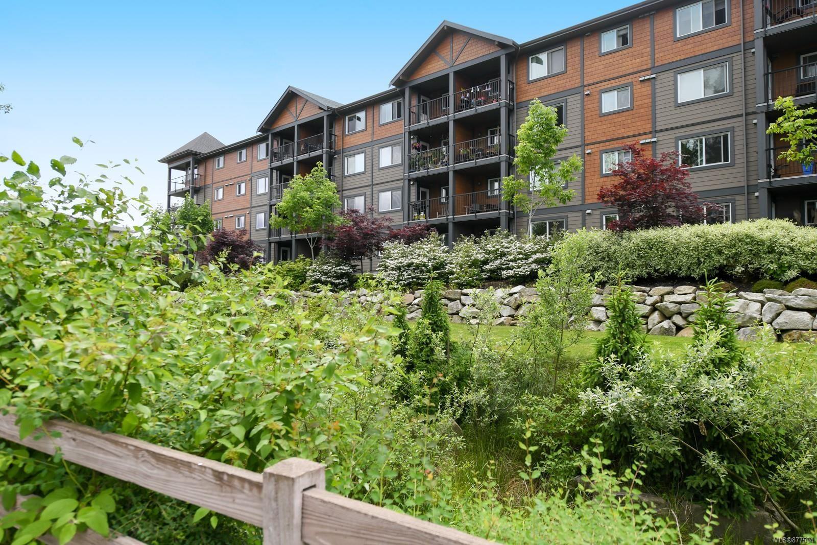 Main Photo: 208 1944 Riverside Lane in : CV Courtenay City Condo for sale (Comox Valley)  : MLS®# 877594