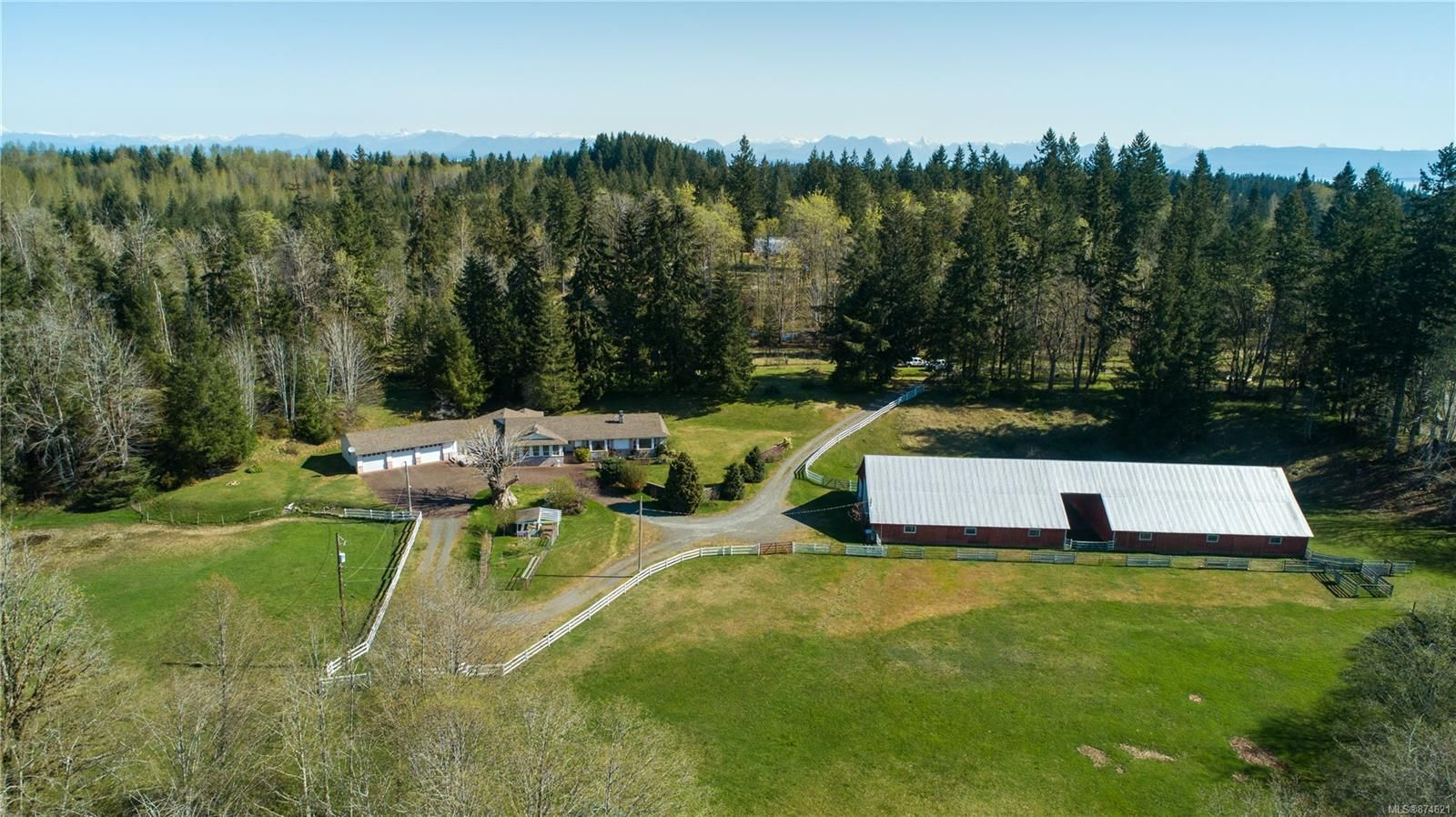 Main Photo: 2444 Glenmore Rd in : CR Campbell River South House for sale (Campbell River)  : MLS®# 874621