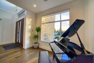 Photo 3: 1941 QUINTON Avenue in Coquitlam: Central Coquitlam House for sale : MLS®# R2514623