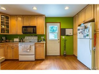 Photo 6: 3140 Lynnlark Pl in VICTORIA: Co Hatley Park House for sale (Colwood)  : MLS®# 734049