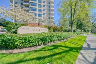 Photo 1: 902 7321 HALIFAX Street in Burnaby: Simon Fraser Univer. Condo for sale (Burnaby North)  : MLS®# R2570090