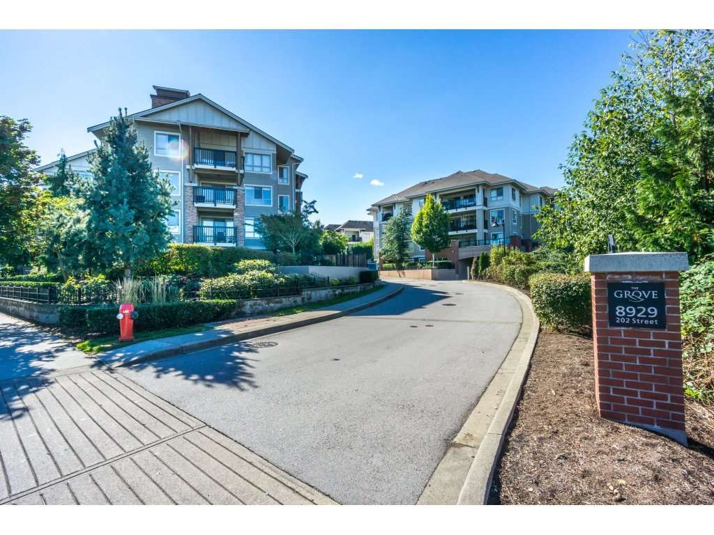 """Main Photo: 314 8929 202 Street in Langley: Walnut Grove Condo for sale in """"THE GROVE"""" : MLS®# R2106604"""