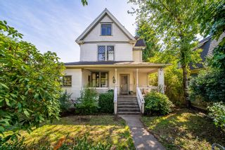 """Photo 1: 316 THIRD Avenue in New Westminster: Queens Park House for sale in """"Queens Park"""" : MLS®# R2619516"""