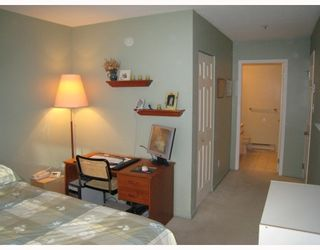 "Photo 5: E204 623 W 14TH Avenue in Vancouver: Fairview VW Condo for sale in ""CONNAUGHT ESTATES"" (Vancouver West)  : MLS®# V679414"