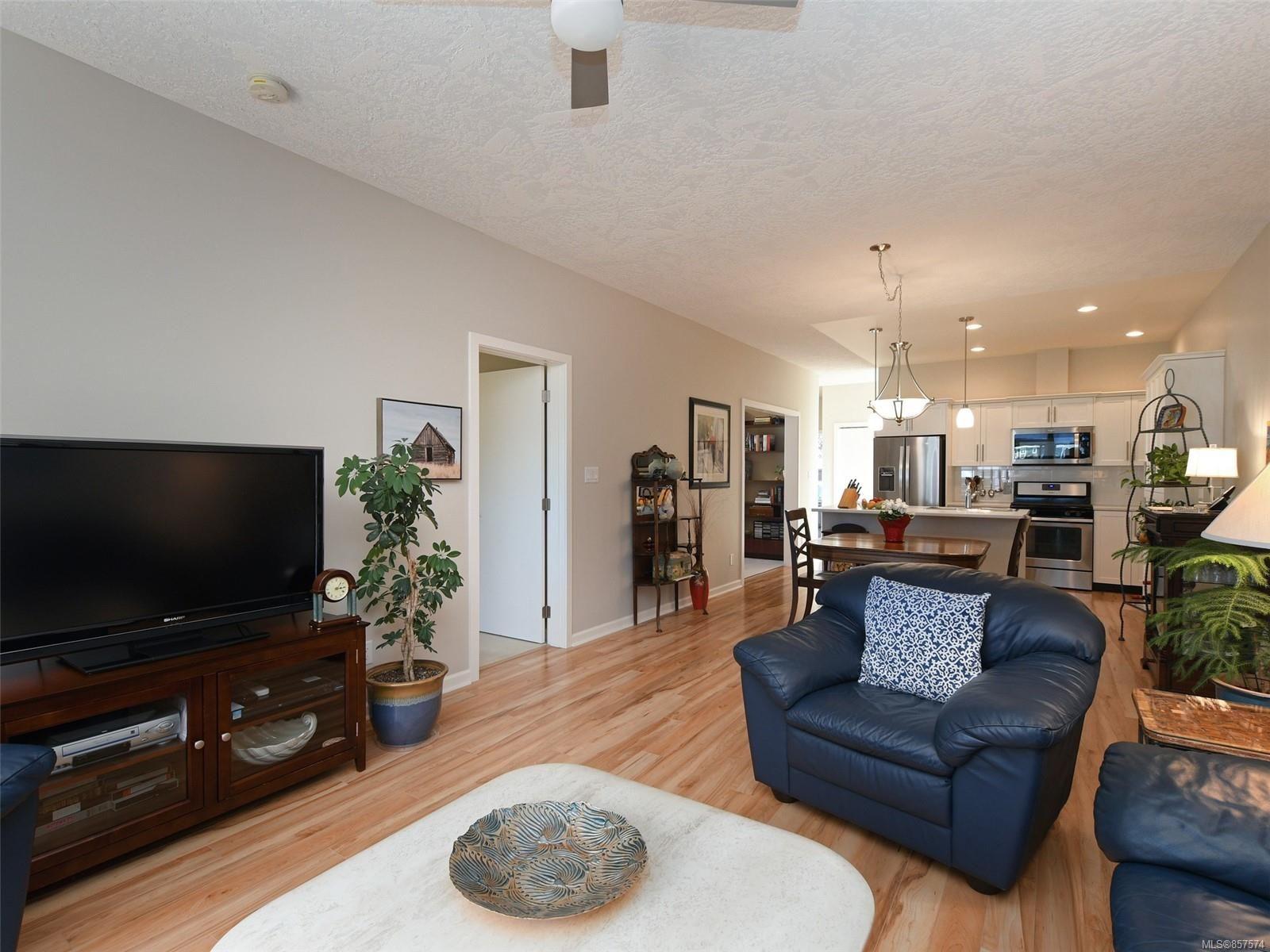 Photo 3: Photos: 6376 Shambrook Dr in : Sk Sunriver House for sale (Sooke)  : MLS®# 857574