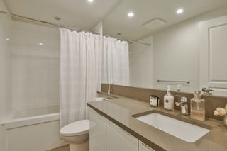 """Photo 16: 3901 5883 BARKER Avenue in Burnaby: Metrotown Condo for sale in """"ALDYANNE ON THE PARK"""" (Burnaby South)  : MLS®# R2348636"""