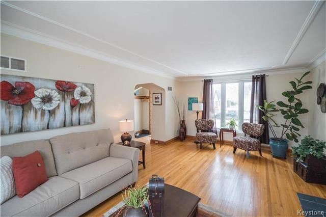 Photo 2: Photos: 360 Centennial Street in Winnipeg: River Heights North Residential for sale (1C)  : MLS®# 1808631