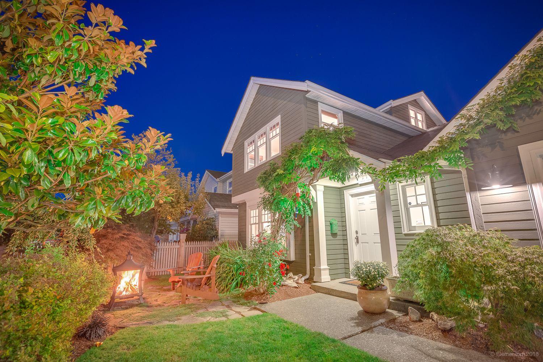 "Main Photo: 11120 6TH Avenue in Richmond: Steveston Village House for sale in ""Historic Steveston Village"" : MLS®# R2404732"
