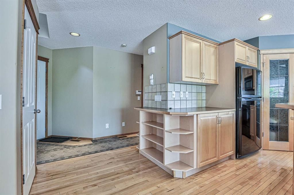 Photo 21: Photos: 106 Everwillow Close SW in Calgary: Evergreen Detached for sale : MLS®# A1116249