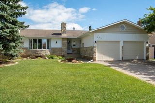 Main Photo: 403 Country Club Boulevard in Winnipeg: Residential for sale (5G)  : MLS®# 202014579