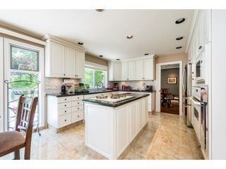 """Photo 6: 932 THERMAL Drive in Coquitlam: Chineside House for sale in """"Chineside"""" : MLS®# R2374188"""