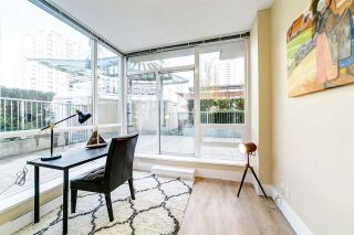 "Photo 10: 303 2978 GLEN Drive in Coquitlam: North Coquitlam Condo for sale in ""Grand Central by Intergulf"" : MLS®# R2422757"