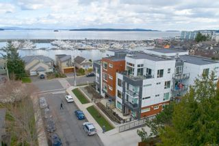 Photo 2: 105 2447 Henry Ave in : Si Sidney North-East Condo for sale (Sidney)  : MLS®# 872268