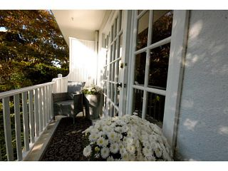 "Photo 14: 105 120 W 17TH Street in North Vancouver: Central Lonsdale Condo for sale in ""THE OLD COLONOY"" : MLS®# V1041437"