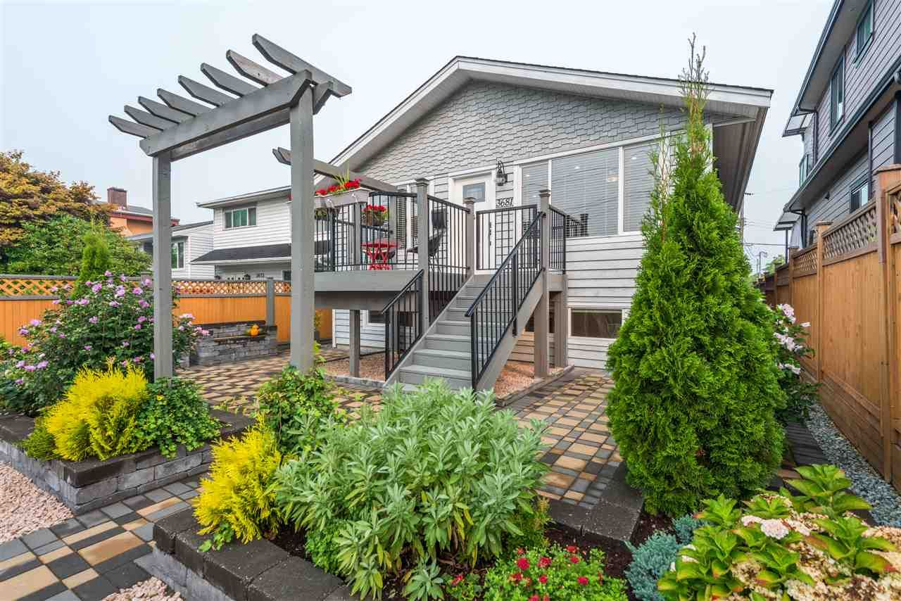 Main Photo: 3681 MONMOUTH AVENUE in Vancouver: Collingwood VE House for sale (Vancouver East)  : MLS®# R2500182