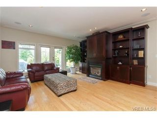 Photo 3: 7380 Ridgedown Crt in SAANICHTON: CS Saanichton House for sale (Central Saanich)  : MLS®# 709937