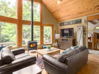 Photo 2: 2601 THE Boulevard in Squamish: Garibaldi Highlands House for sale : MLS®# R2176534