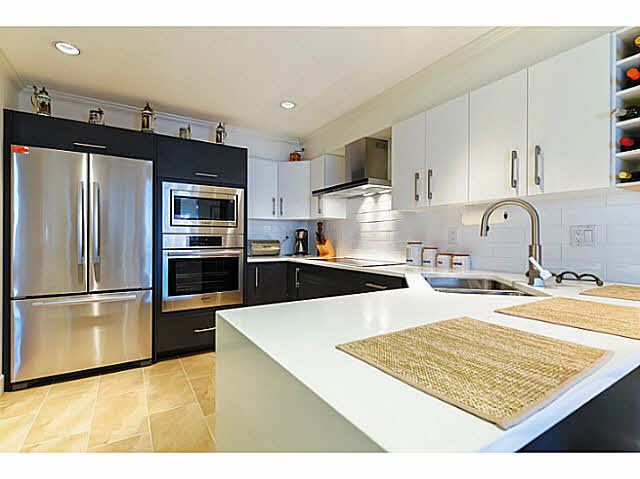 "Main Photo: 309 1230 QUAYSIDE Drive in New Westminster: Quay Condo for sale in ""TIFFANY SHORES"" : MLS®# V1118946"