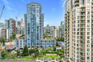 "Photo 4: 1803 1238 RICHARDS Street in Vancouver: Yaletown Condo for sale in ""Metropolis"" (Vancouver West)  : MLS®# R2504847"
