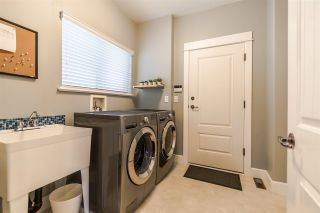 """Photo 15: 20497 67B Avenue in Langley: Willoughby Heights House for sale in """"TANGLEWOOD"""" : MLS®# R2555666"""