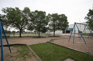 Photo 34: 150 Southwalk Bay in Winnipeg: River Park South Residential for sale (2F)  : MLS®# 202120702