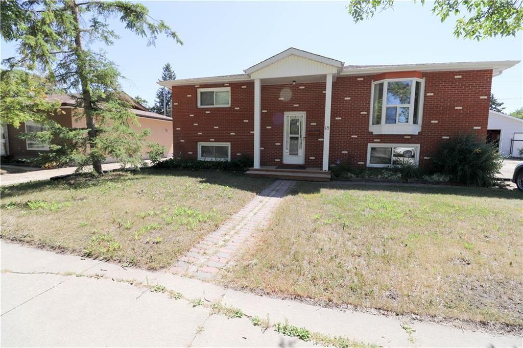 Main Photo: 18 St Martin Boulevard in Winnipeg: East Transcona Residential for sale (3M)  : MLS®# 202016709