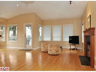"Photo 9: 1047 STEVENS Street: White Rock House for sale in ""WHITE ROCK"" (South Surrey White Rock)  : MLS®# F1209554"