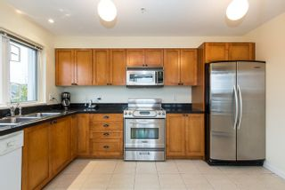 Photo 13: 317 7089 MONT ROYAL SQUARE in Vancouver East: Champlain Heights Condo for sale ()  : MLS®# R2007103