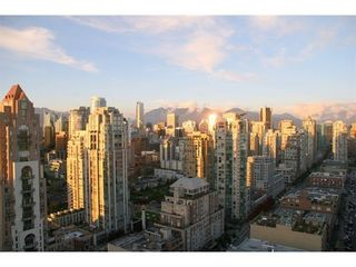 Photo 11: 3203 388 DRAKE Street in Vancouver West: Home for sale : MLS®# V1048992