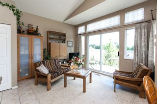 "Photo 10: 118 9012 WALNUT GROVE Drive in Langley: Walnut Grove Townhouse for sale in ""Queen Anne Green"" : MLS®# R2065366"