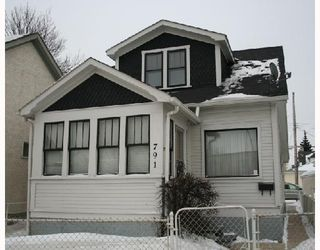 Photo 1: 791 MCPHILLIPS Street in WINNIPEG: North End Residential for sale (North West Winnipeg)  : MLS®# 2801375