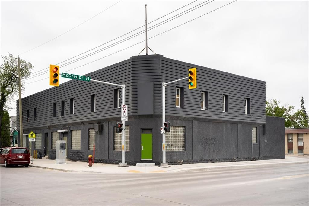 Main Photo: 582 Burrows Avenue in Winnipeg: Industrial / Commercial / Investment for sale (4A)  : MLS®# 202112991