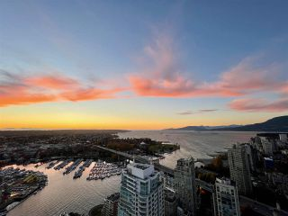 "Photo 6: 4801 1480 HOWE Street in Vancouver: Yaletown Condo for sale in ""Vancouver House"" (Vancouver West)  : MLS®# R2515524"