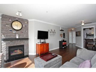 """Photo 5: 403 5759 GLOVER Road in Langley: Langley City Condo for sale in """"COLLEGE COURT"""" : MLS®# F1442596"""