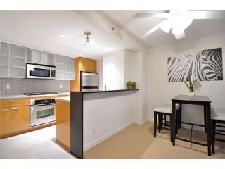 """Photo 5: 1905 33 SMITHE Street in Vancouver: Yaletown Condo for sale in """"Coopers Lookout"""" (Vancouver West)  : MLS®# V954984"""