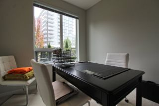 """Photo 9: 110 3289 RIVERWALK Avenue in Vancouver: South Marine Condo for sale in """"R+R"""" (Vancouver East)  : MLS®# R2499453"""
