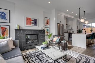 Photo 5: 2110 49 Avenue SW in Calgary: Altadore Row/Townhouse for sale : MLS®# C4274609