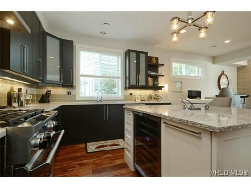 Photo 9: Photos: 1001 Arngask Ave in VICTORIA: La Bear Mountain House for sale (Langford)  : MLS®# 728828