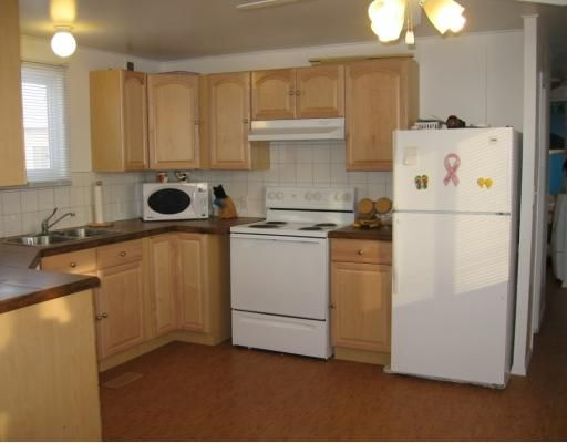 Photo 2: Photos: 5332 41ST Street in Fort_Nelson: Fort Nelson -Town Manufactured Home for sale (Fort Nelson (Zone 64))  : MLS®# N191085