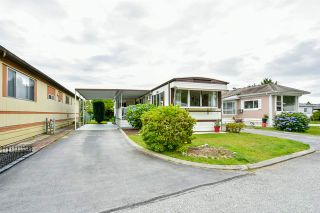 """Photo 1: 115 11930 PINYON Drive in Pitt Meadows: Central Meadows Manufactured Home for sale in """"Meadow Highlands Park"""" : MLS®# R2477089"""