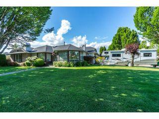 Photo 2: 9237 203B Street in Langley: Walnut Grove House for sale : MLS®# R2273639