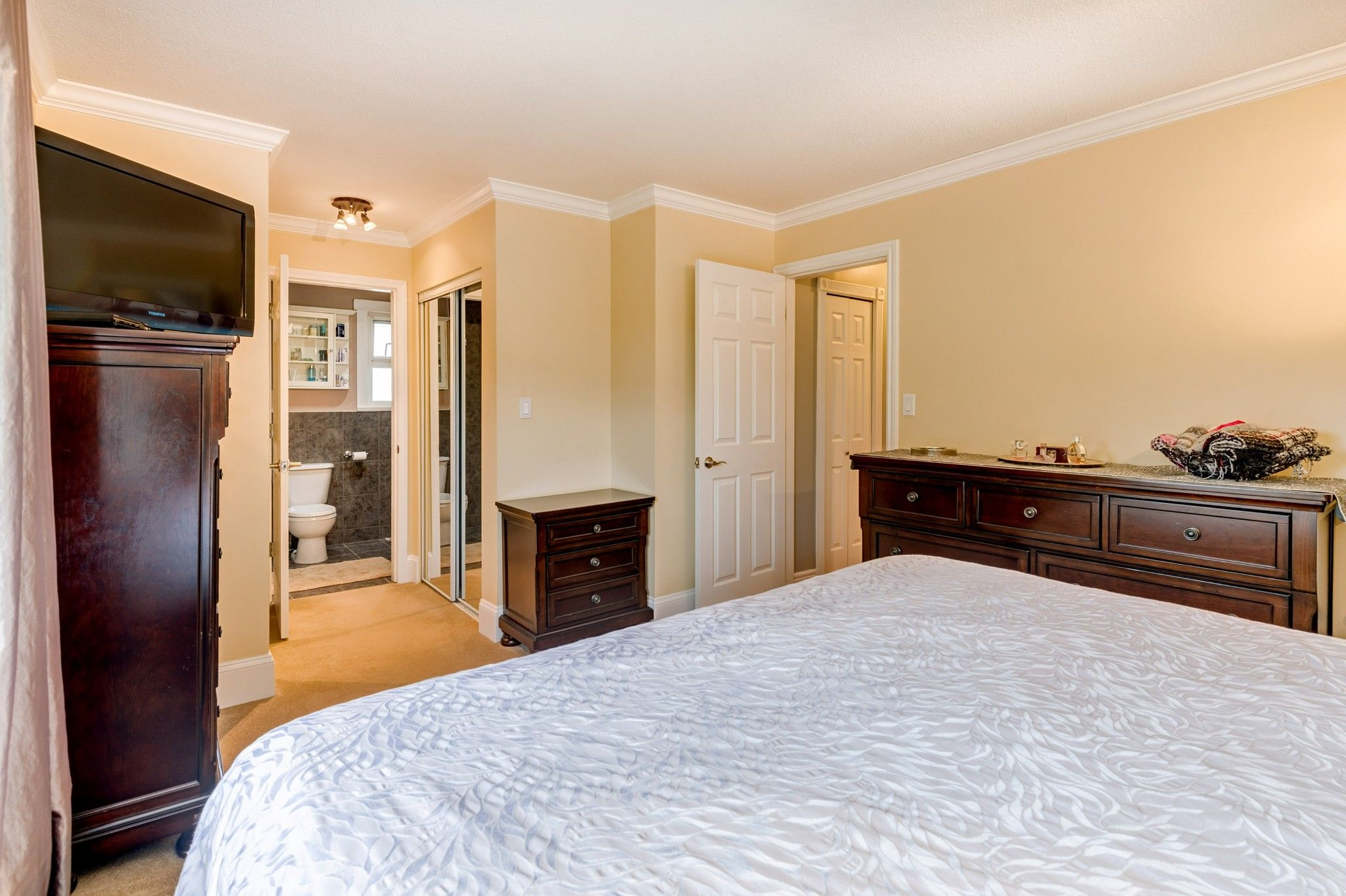 Photo 10: Photos:  in : Southwest Maple Ridge House for sale (Maple Ridge)  : MLS®# R2455980