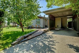 Photo 3: 4151 42 Street SW in Calgary: Glamorgan Detached for sale : MLS®# A1131147